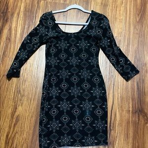 Quarter sleeve fitted dress